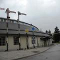 Staroavstrijski likovni signali Južne železnice (SB) pred vhodom v Železniški muzej SŽ, foto Staša Cafuta Trček
